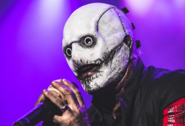 COREY TAYLOR de SLIPKNOT estrena nueva máscara en el festival ROCKLAHOMA
