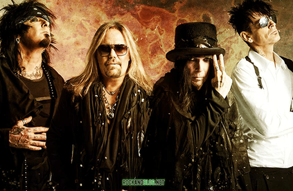 MOTLEY CRUE IS BACK!.