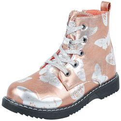 Botas rosas para anudar con look metálico y mariposas