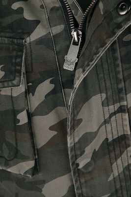 Chaqueta camuflaje estilo militar con grandes bolsillos