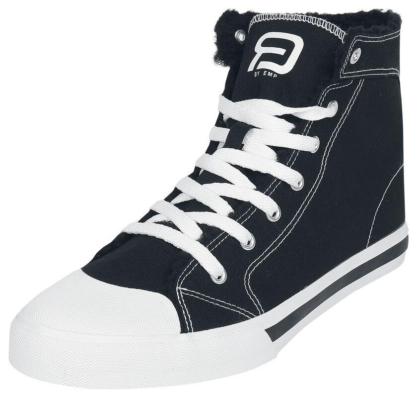 Zapatillas negras con forro