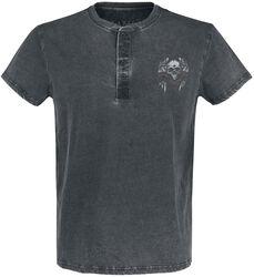 Camiseta con lavado y calavera estampada