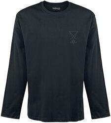 Camiseta negra de manga larga con bordado en el pecho